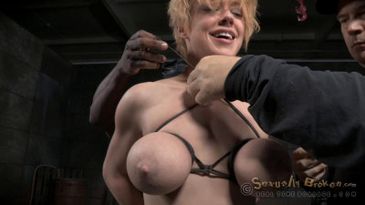 Big Titted Hardbody Blonde Darling Brutally Facefucked In Blowjob Machine