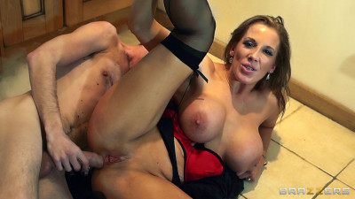 Sexy And Horny Housewife Gets His Nice and Shiny Dick