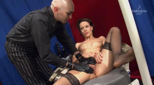 Fisting and Dildo Inflagranti - Dehnung Extrem am Limit 2