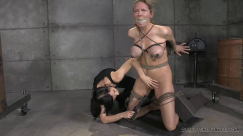 bdsm Masoslut Rain DeGrey Faces An Even More Intense Live Feed