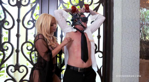 Femdom and Strapon Jesse Alpha Female (2015)