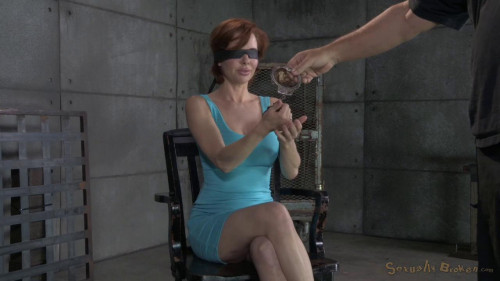 bdsm Busty MILF Veronica Avluv gets blindfolded