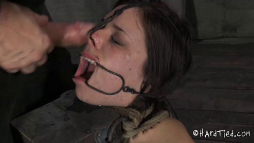 bdsm Juliette March and Elise Graves - Cumface