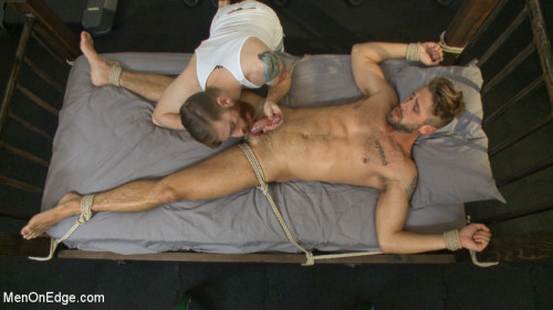 Gay BDSM Horny Gym Studs Wet Dream
