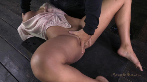 bdsm Amazing MILF with Booming body, gets her first hardcore bondage threeway