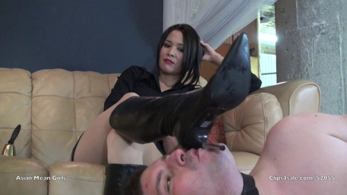 Femdom and Strapon Ms. Kirin bootslave