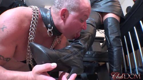 Femdom and Strapon Michelle Pleasure Slave 1 Oral Slave