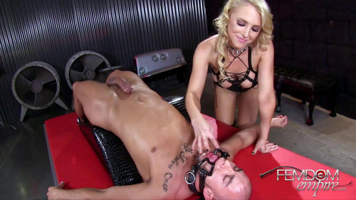 Femdom and Strapon Alix Lynx - Cum sotted Slave