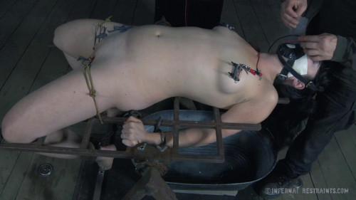 bdsm Wooden Wedge - Siouxsie Q