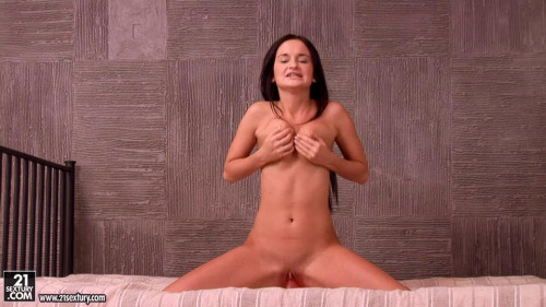 Fisting and Dildo Varvara