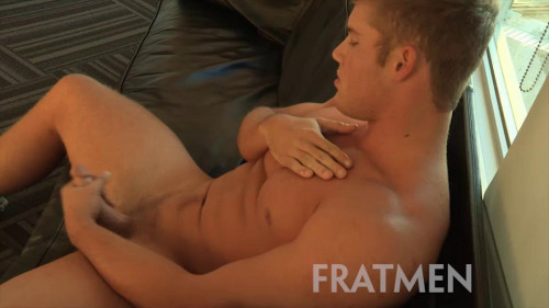 Fratmen Cash Up-Close