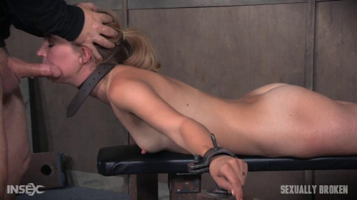 bdsm Sexy Pale and Slim Mona Wales Gets Pounded By Two Cocks in Fighter Jet Position