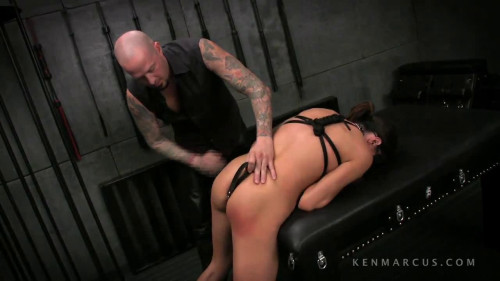 bdsm Ariella Ferrera And Devon Savage