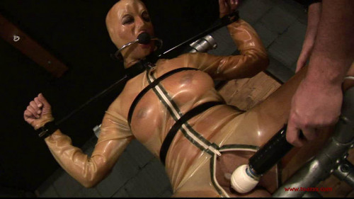 bdsm Martina in Rubber