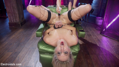 bdsm Cadence Lux is Electric