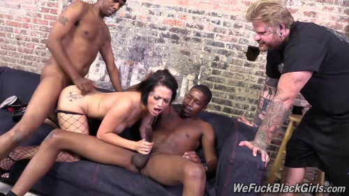 Femdom and Strapon Catherine, two Negro who fucked her and her husband watches