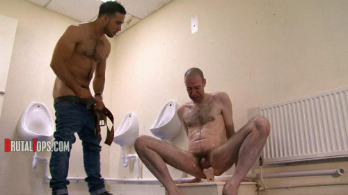 Gay BDSM Master Jaime in Session 208