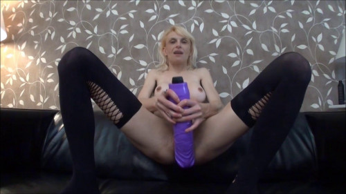 Fisting and Dildo Raquel