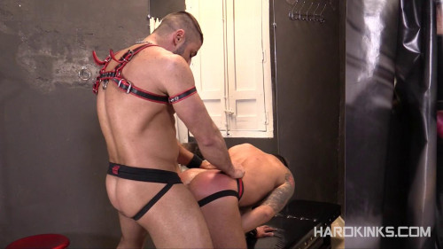 Gay BDSM Torture Store (Martin Mazza, Max Toro)