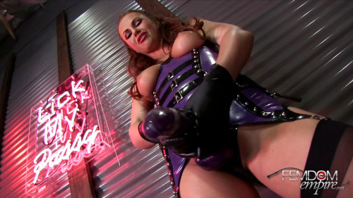 Femdom and Strapon Twirl you like a toy