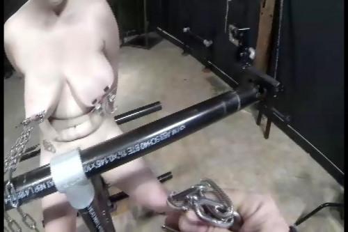 bdsm Wench - Tit Weights