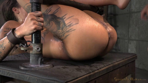 bdsm AVN winner Bonnie Rotten shackled in strict device bondage