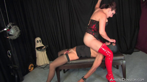 Femdom and Strapon Mistress Luxe