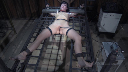 bdsm Elise Graves high