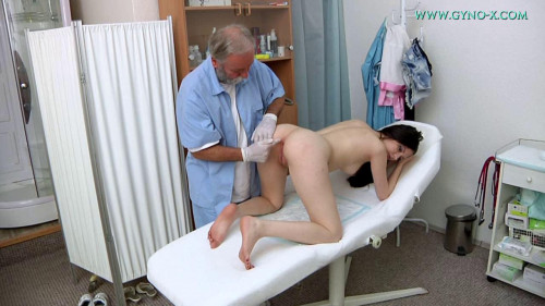 Fisting and Dildo Rebecca Volpetti - 18 years girl gyno exam