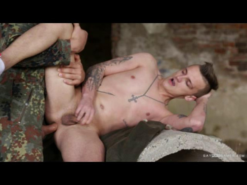 Gay BDSM GayWarGames Libor and Jerome - Boy with Knife 4