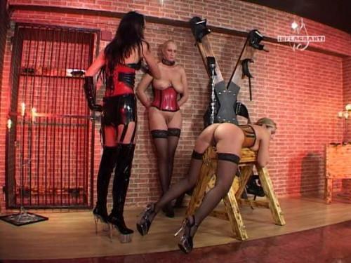 bdsm Folterspiele Von Frau zu Frau 1