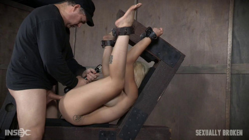 bdsm Nadia White is metal bound while brutally fucked