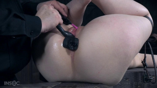 bdsm Electra Rayne - Master is Watching