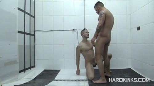 Gay BDSM Dominated In The Shower (Aday Traun, Elio Guzman)