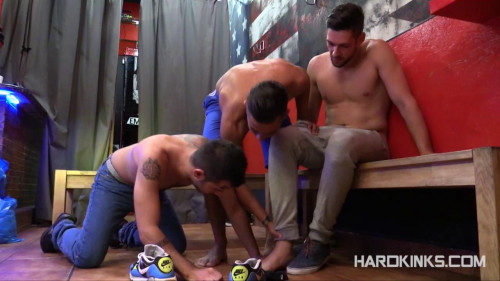 Gay BDSM New Job (Ivi Labrador, Leo Blue, Yeray Doville)