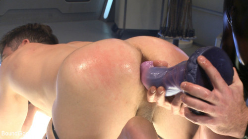 Gay BDSM Abducted and Fucked A twisted alien experiments on Lance Harts Ass