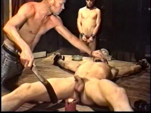 Gay BDSM Tested in Bondage