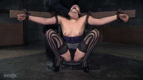 bdsm Spreading and Spanking Endza Adair