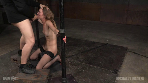 bdsm Toned all natural Mona Wales