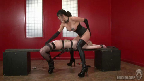 bdsm Cherry Torn and Sophie Monroe