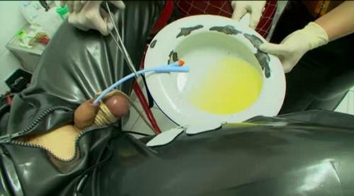 Femdom and Strapon Latextrem - Die Gummi Klinik
