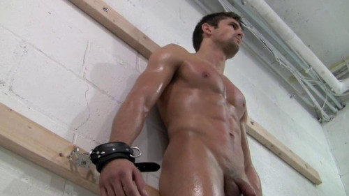 Gay BDSM Damon - Wall of Muscle