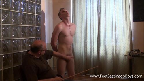 Gay BDSM Patrik Fr(caning)