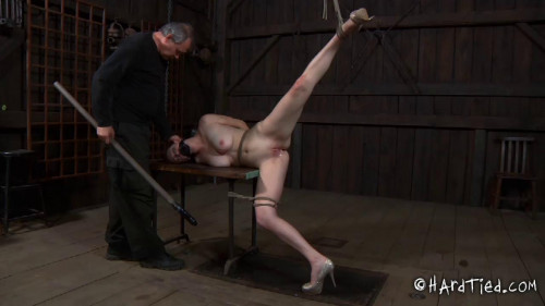 bdsm Holly Wildes - Hot Weather, Hot Holly
