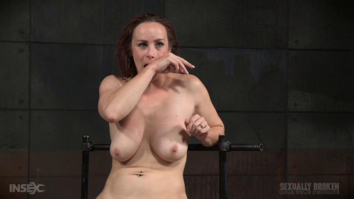 bdsm Busty Bella Rossi show grand finale with strict metal bondage and epic 3 cock dickdown
