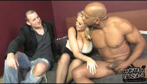 Femdom and Strapon Why is my boyfriend asks me to bring her lover