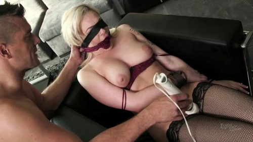 bdsm It Started With A Blindfold
