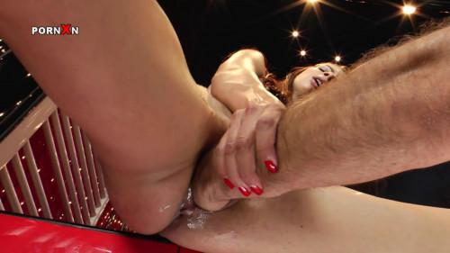 Fisting and Dildo Betty Saint