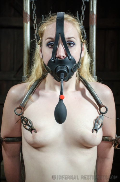 bdsm IR - July 18, 2014 - Hot Poke Her - Delirious Hunter and OT - HD