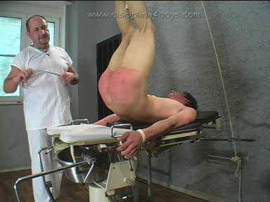 Gay BDSM Doctor Freuds Special Treatment
